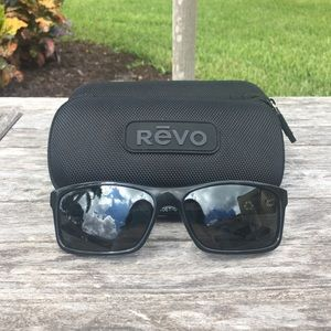 1f7206eed4 REVO Square Classic Polarized Sunglasses